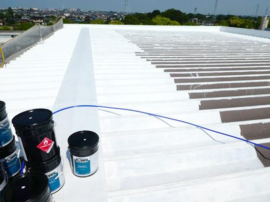 屋根の遮熱・防水塗料